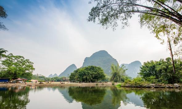 广西最受欢迎的旅游县,因山水秀丽闻名天下,感觉比画卷还美!
