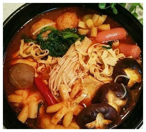 麻辣烫好吃的秘诀就在汤,这么做简单美味,再也不用出去吃了