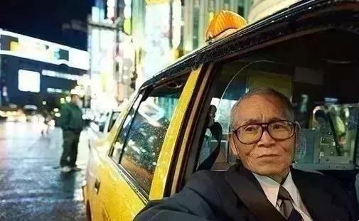 65岁不算老,日本70岁老人被装机械器官继续干活