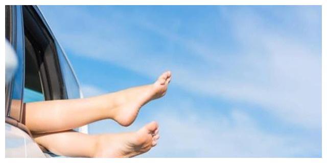 心理测试:图中哪双脚丫子最像富贵脚?测试你今后将获得什么!