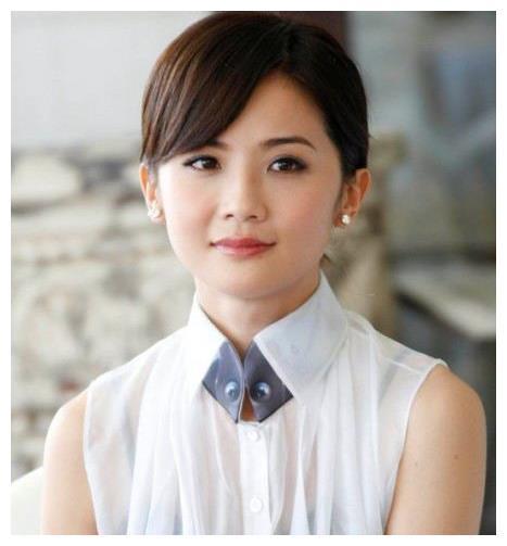 郑中基前妻,陈伟霆前女友,被张智霖催婚10年,今搭上千亿太子爷