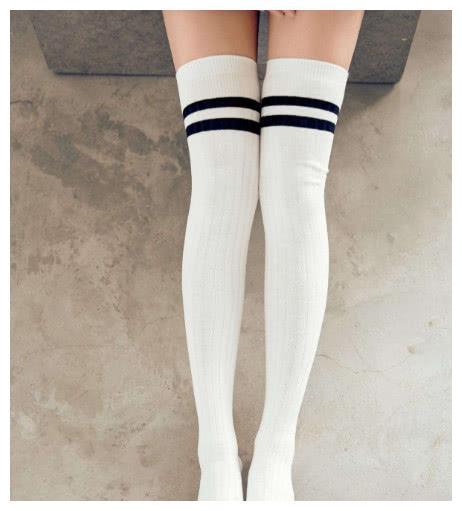 新学期开学,你会穿哪一双长筒裤?测班里的学霸会不会喜欢你?