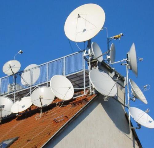 卫星锅真假难辨,节目少,信号差,为啥农民不拉有线电视