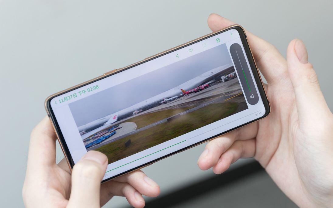 最贵的双屏手机:512G+金属机身,比vivo贵17001