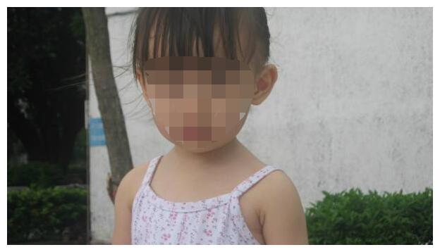 2岁女宝患上尖锐湿疣,只因奶奶帮忙洗澡时贪图方便!