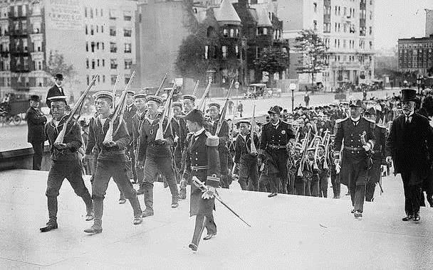 海军带枪进纽约,这是大清帝国最后荣光!也是中华民国的新希望!