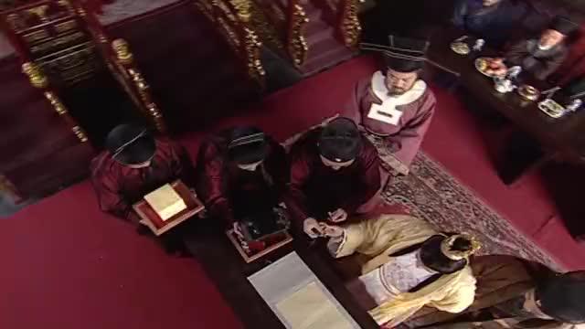 蔡京看上张择端的清明上河图,出计换画,皇上立马传旨买来