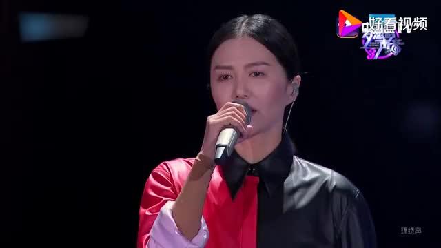 谭维维一首歌,歌词句句扎心,唱哭全场观众,林俊杰为之动容