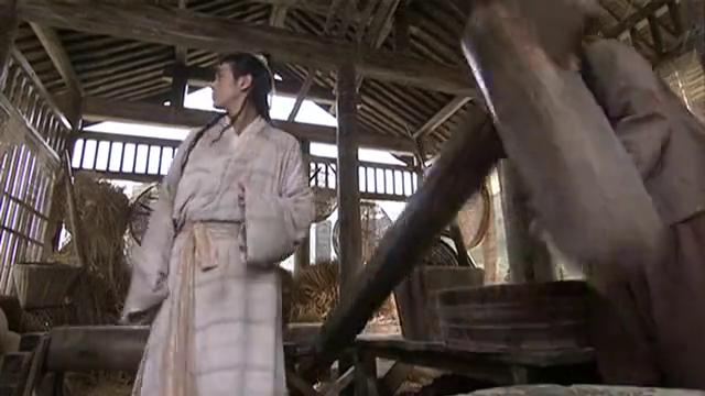 天龙八部:段誉被军官追杀,竟还大秀凌波微步给王语嫣看!