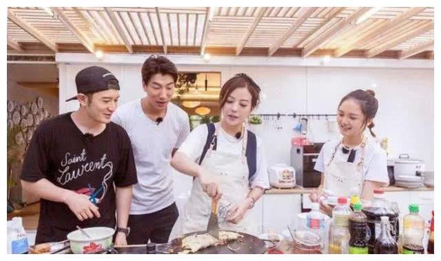 《中餐厅2》嘉宾曝光,苏有朋赵薇黄晓明来袭,王俊凯要来当大厨
