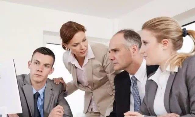打拼多年还没有升职加薪的员工,往往有三种共同点,尽快改正吧
