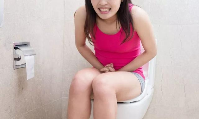 小便后记得低头看一眼,如果尿液出现这些变化,要小心了