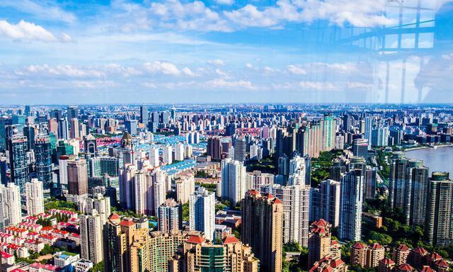 """房地产依旧拉动中国经济增长,专家表示,调控楼市非""""逆市场化"""""""