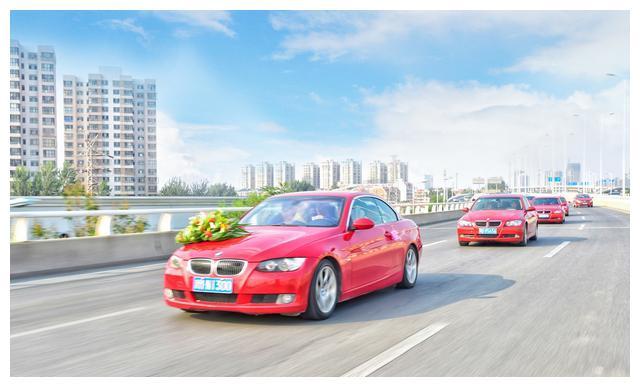 喷漆师傅的建议:买车时最好别选这3种颜色,不仅贵而且很难补