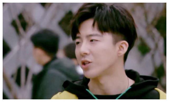 董思成:我中央戏剧学院毕业,于晓光:我也是,刘宇宁:啥
