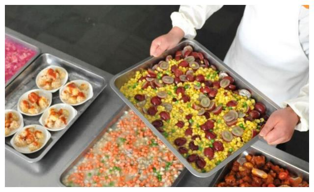 大学食堂里面的神菜,现在的大学生吃这些能熬过毕业么?