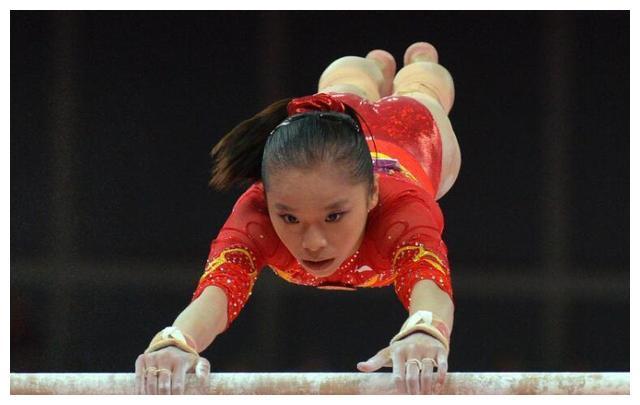 25岁体操队长姚金男,曾为夺金牌而改名,如今回到校园美到认不出