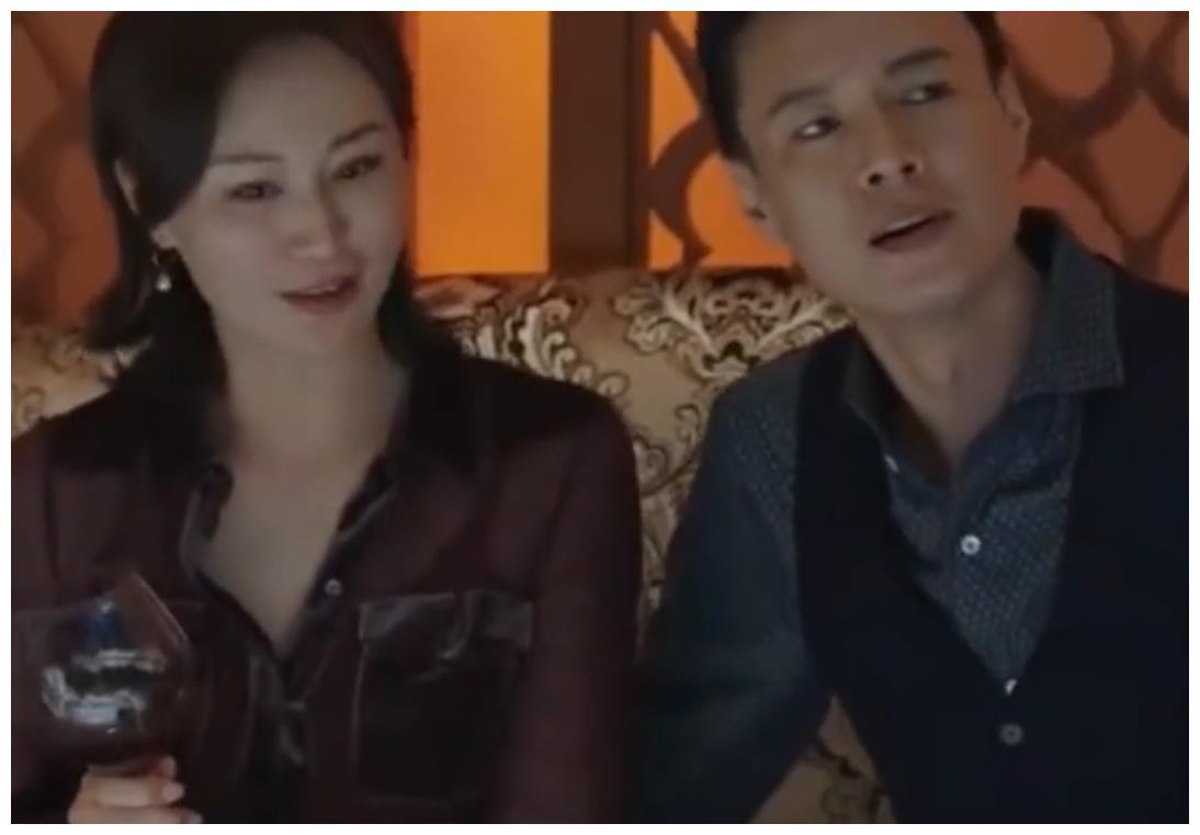 小欢喜:主动示好的珍妮,遭雷蒙德果断拒绝?原来他也有底线