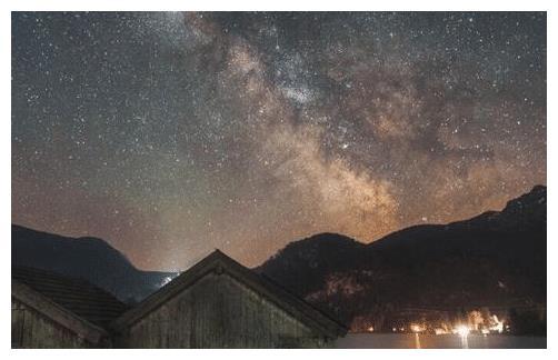 心理测试:哪一幅星空图最美?测出这辈子会让你最伤心的人是谁?
