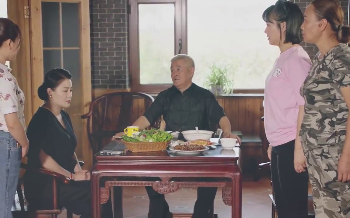 乡村爱情:刘晓燕问保姆为什么离职,原来是要回家相亲!