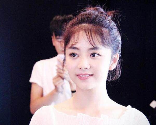 娱乐圈中最美的娃娃脸,赵丽颖和谭松韵都上榜,最后一个竟是她!