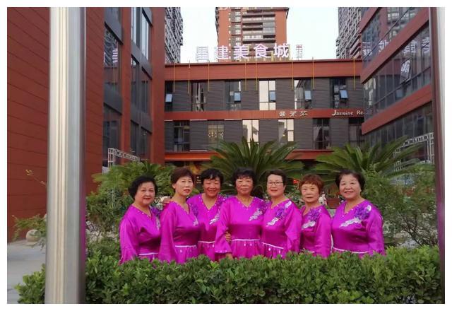 守初心担使命 奋进新时代——周口市红歌情合唱团晚会演出获好评