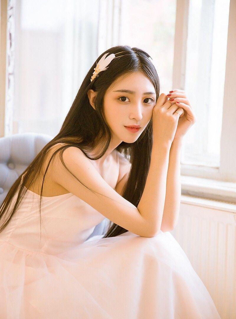 天津工业大学校花白衣写真,长发飘飘秀丽可人
