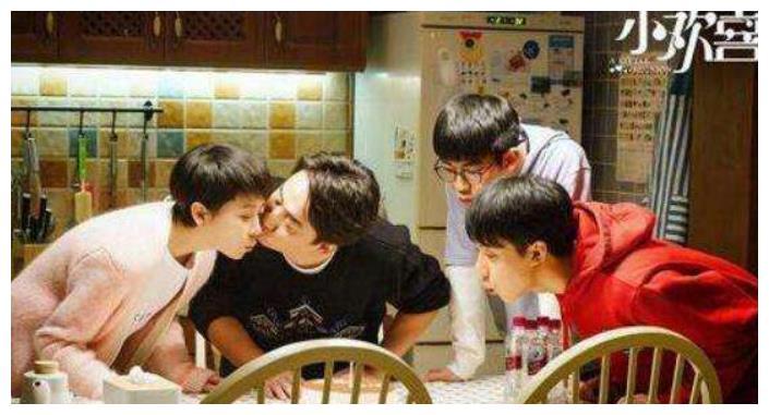 《小欢喜》季杨杨表情包爆火,老季遭停职盘查,父子关系再度崩塌