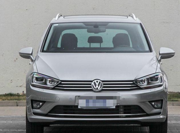 大众Sportsvan(进口)车身线条比较流畅,看外形就能看出实用性高