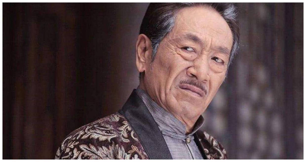 他是国家一级演员,二婚娶小37岁娇妻,今74岁还在拍戏养家
