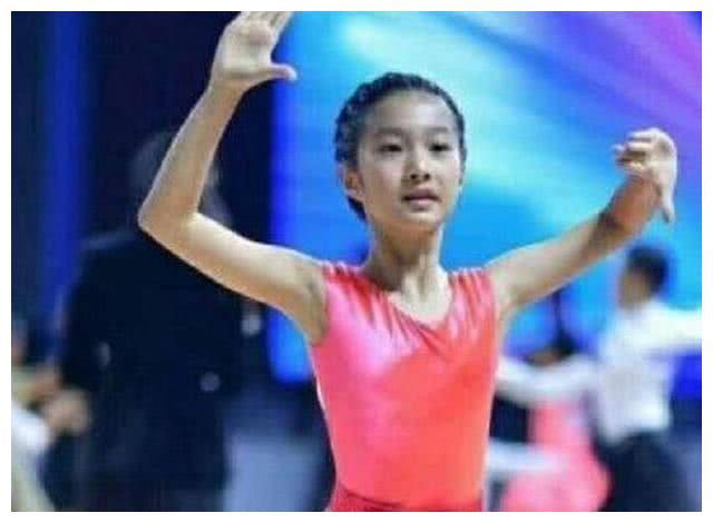 9岁全国拉丁舞冠军,马伊琍女儿爆照,网友这是关晓彤么