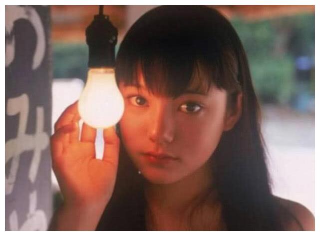 因一部电影爆红,周杰伦陈冠希因她而神魂颠倒,今32岁颜值崩塌