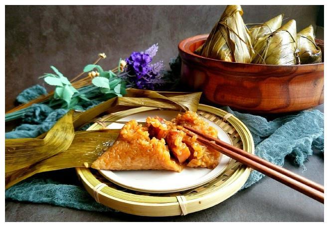 端午节到了,教你做鲜肉粽子,简单又不漏米,香甜软糯易消化!