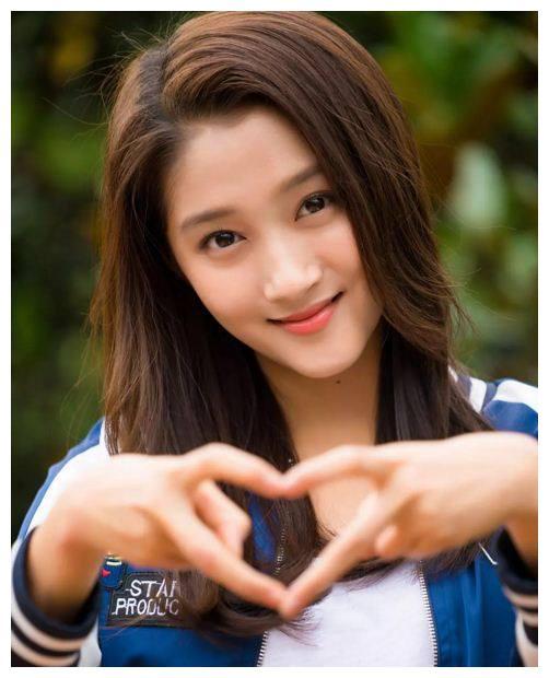 《极光之恋》两位女主发型大比拼,网友:赵韩樱子赢在了气质上!