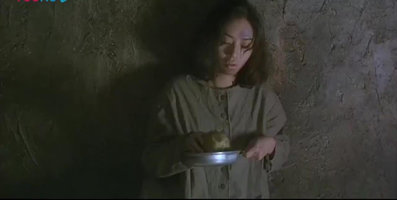 香港动作电影女飞侠在监狱忍辱负重戴上面具就是坏人的死期