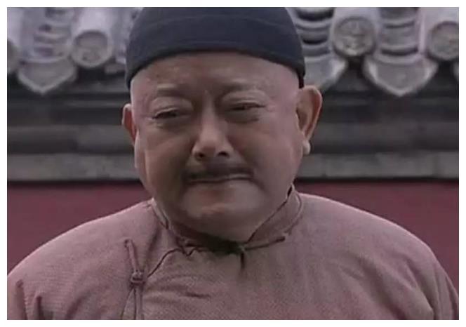 王刚的鉴宝节目出错,砸碎持宝人真古董,谁该承担这个责任?