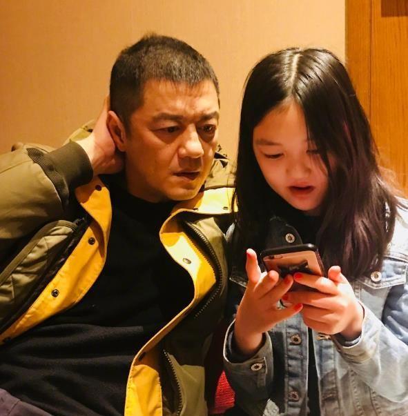 年仅12岁的李嫣成为名副其实的才女,琴棋书画皆通,网友:基因好