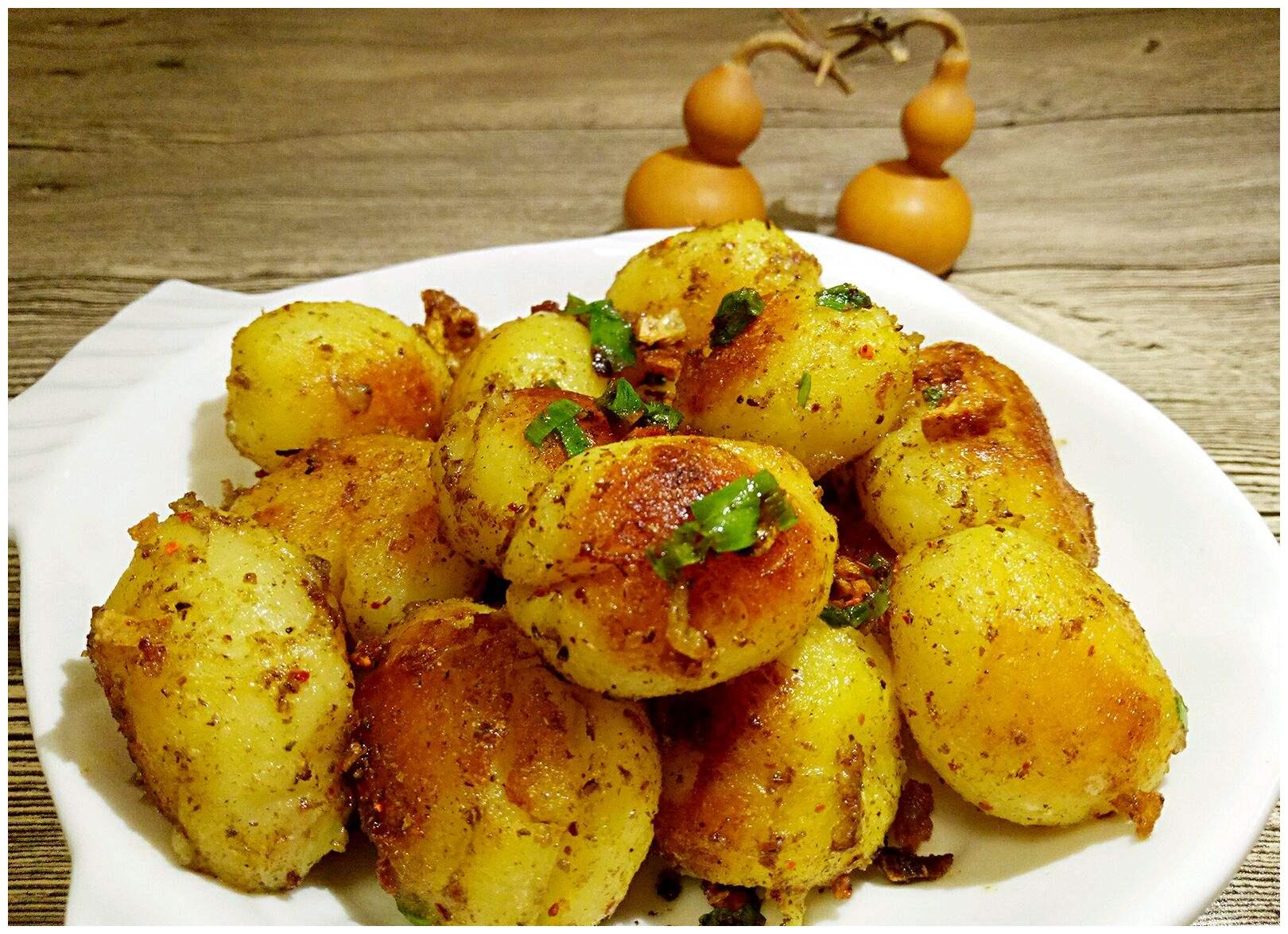 当土豆遇上孜然和香蒜 平淡无奇瞬间华丽丽变身烧烤美味
