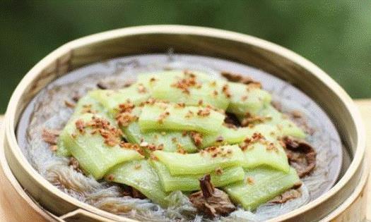 《素食小讲堂》:粉丝蒸丝瓜,制作前粉丝要放进冷水当中浸泡