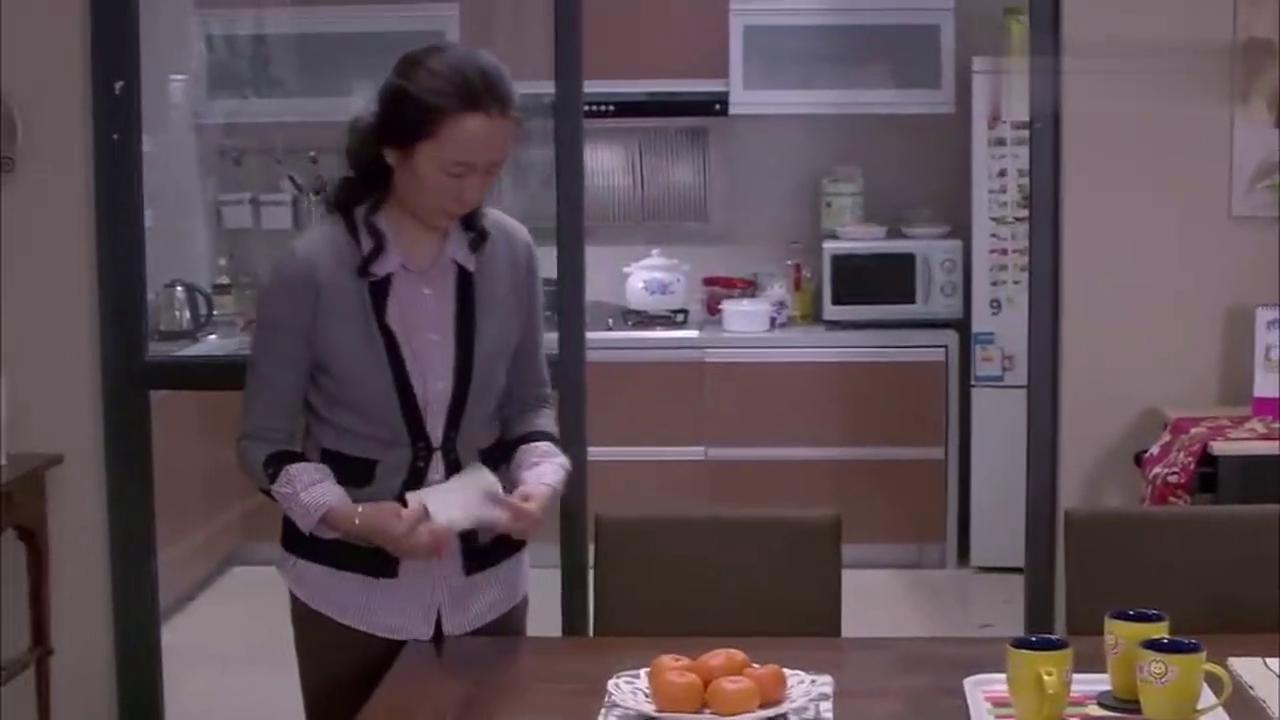 辣妈正传:宝妈听到夏冰先兆性流产,急的连忙去给儿媳顿汤