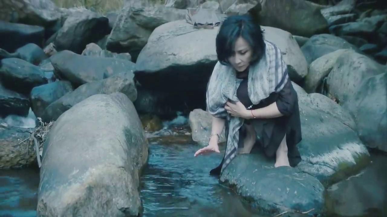 《过界男女》这部电影摄影配乐绝了,刘嘉玲开车的样子太美了