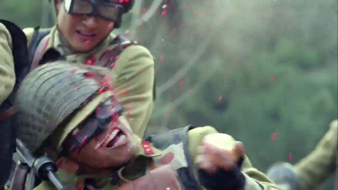 战神:车队近身,龙大谷开始招呼手榴弹
