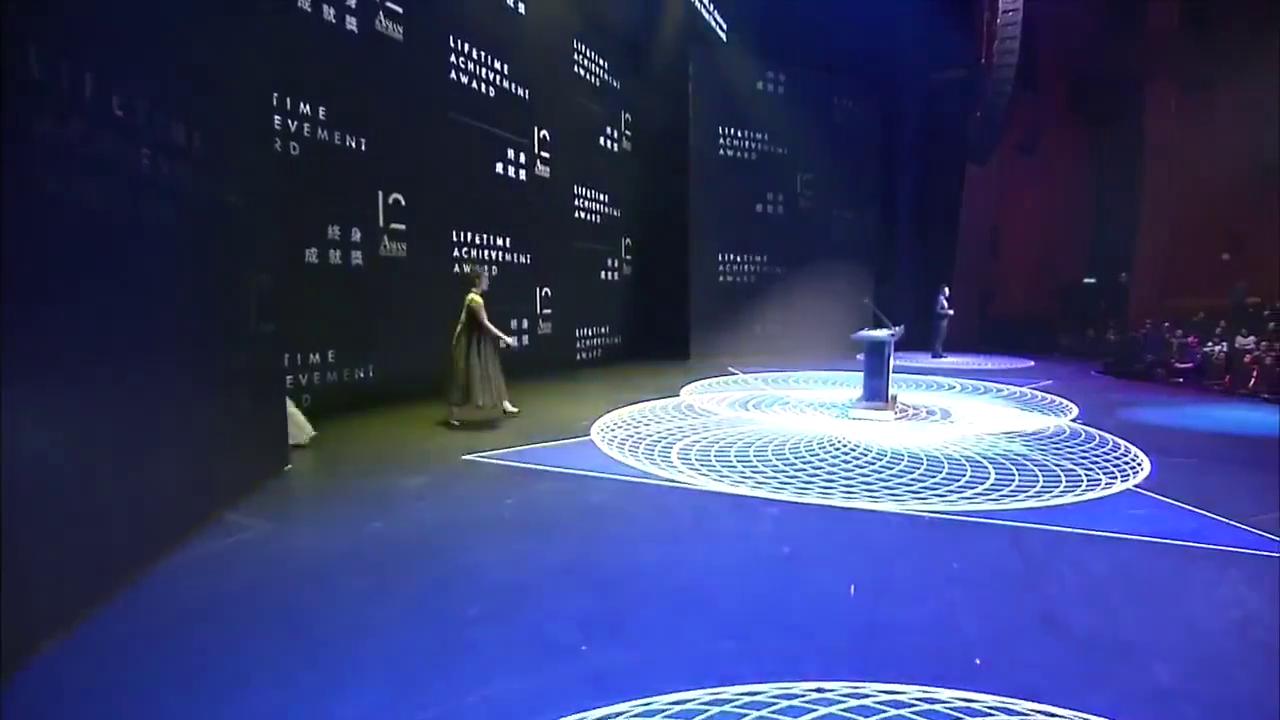 齐溪郎月婷第十二届亚洲电影大奖颁奖现场,一袭黑纱美炸天!