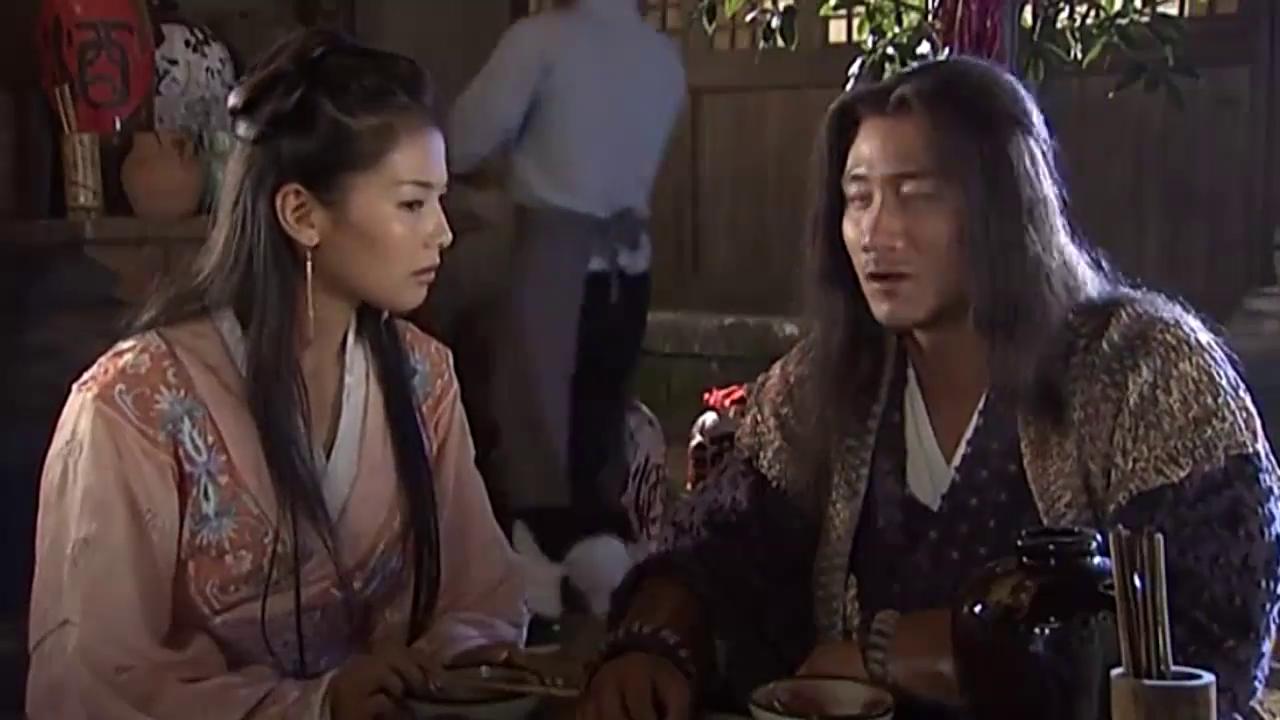 萧峰要杀段正淳,却担忧段家六脉神剑,不料美女阿朱送上绝世神功