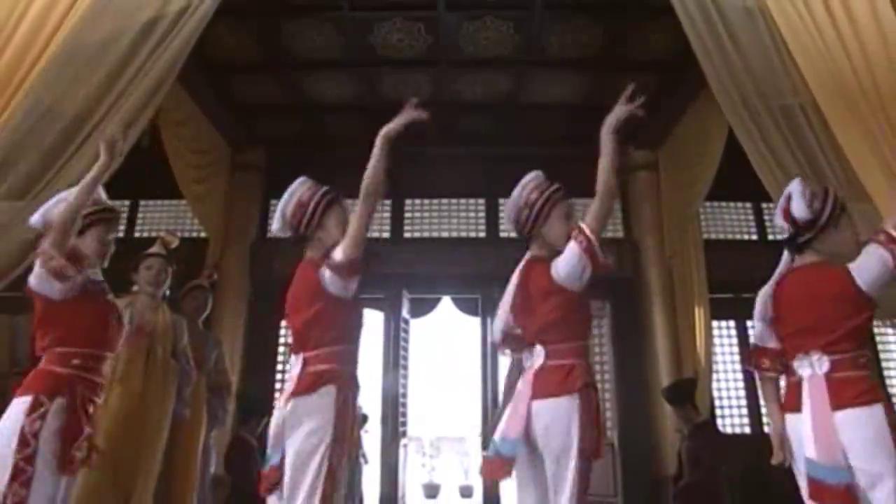 萧峰被契丹皇帝囚禁,虚竹和段誉得到消息,立刻点兵出发救兄弟