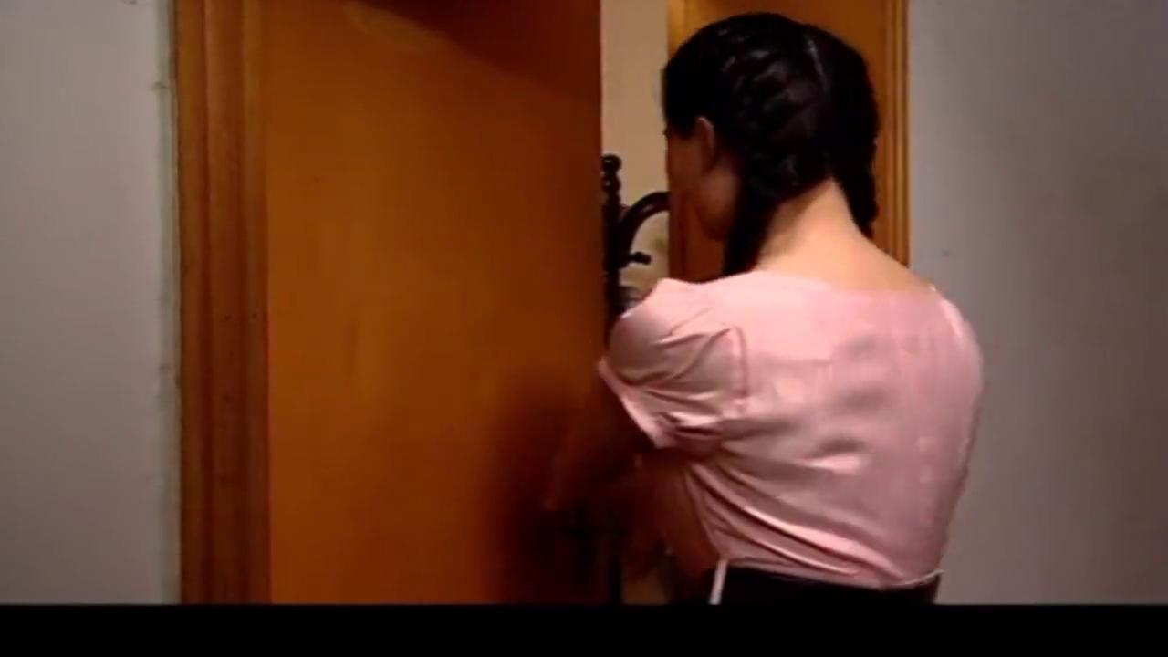 舞蹈老师闯进局长家,居然抱住他表白:我爱你,这下局长生气了