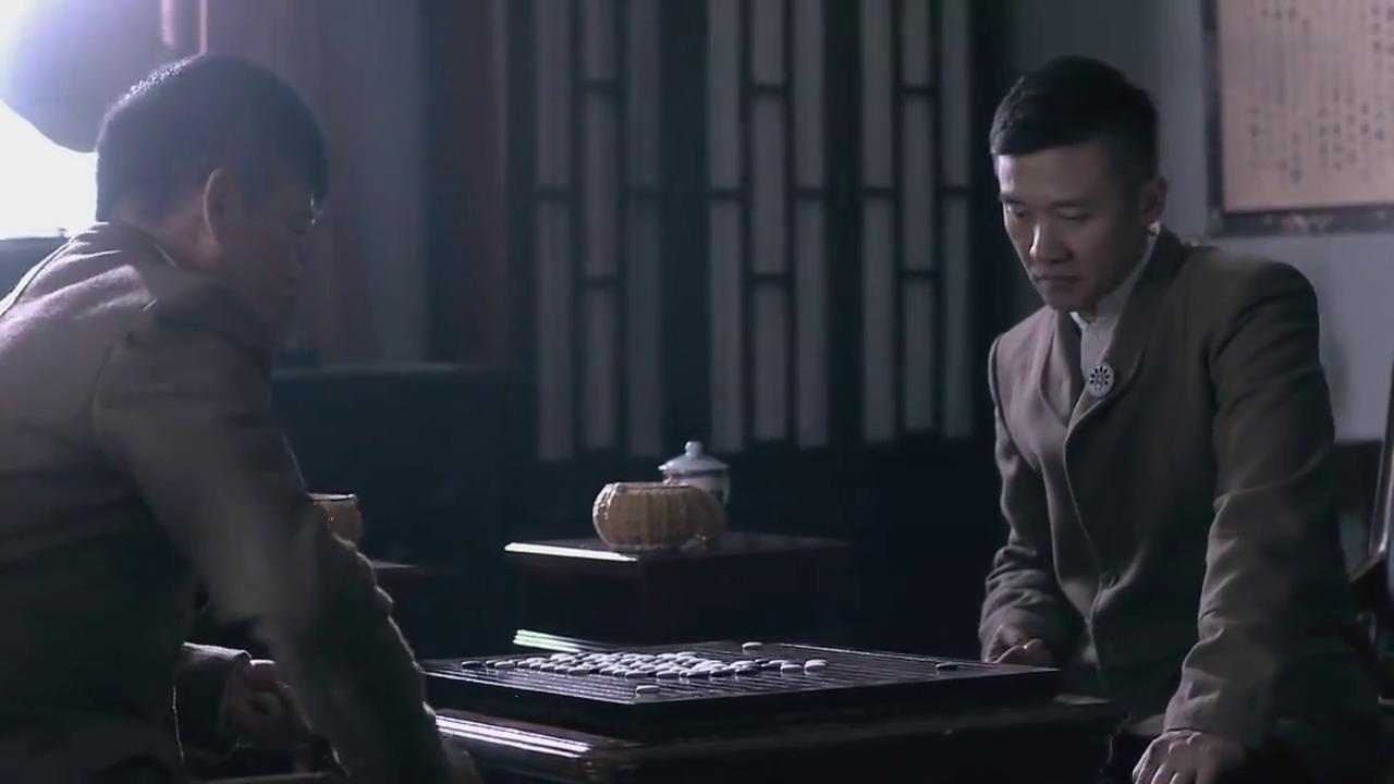 韩山和部长下棋,韩山直言关东军少壮派实力太大,部长却相信少壮