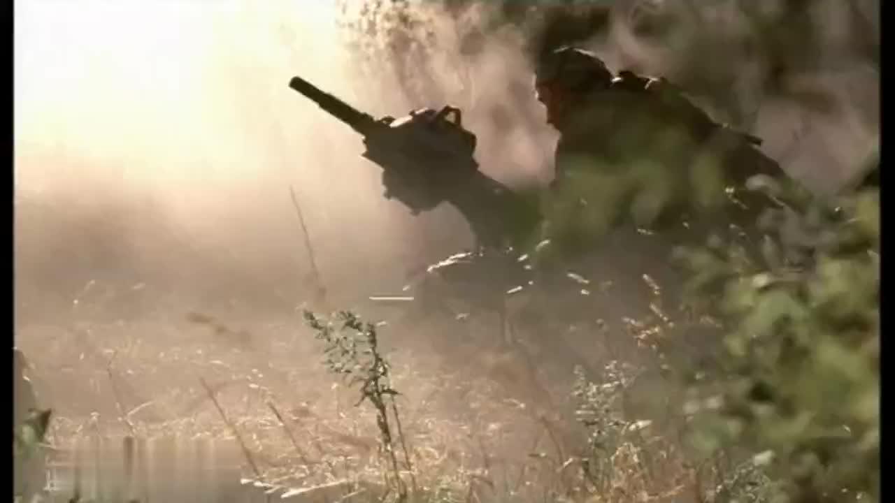克里姆林宫首映的俄罗斯战争电影一百勇士对敌两千战至最后五人