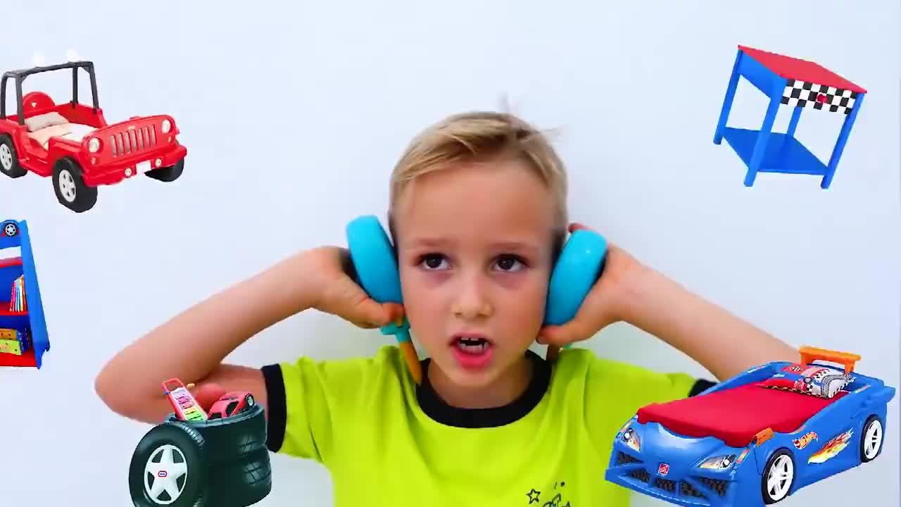 儿童时尚玩具尼基塔想建一个车库打电话叫超级马里奥来帮忙
