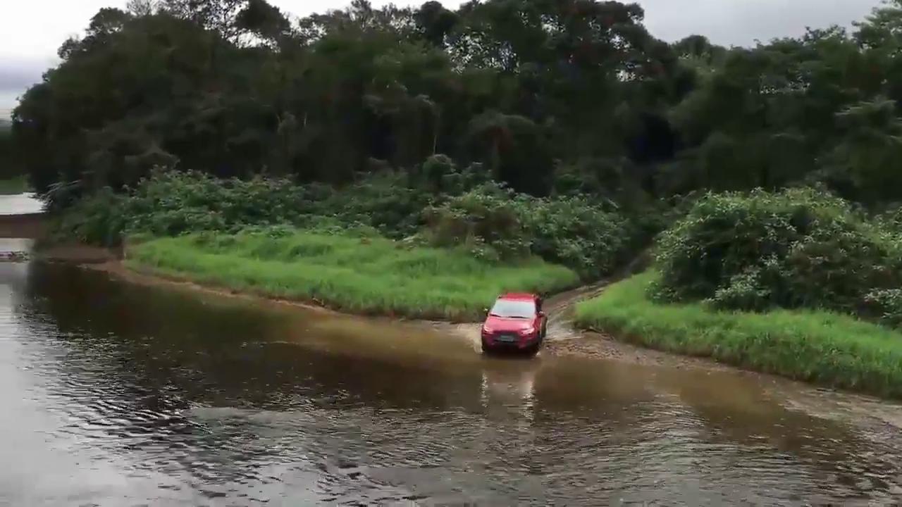 视频:三菱劲炫过河,不忘初心的越野本领
